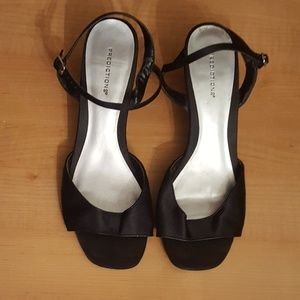 Black Strappy Sandal with Low Heel